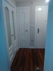 Puerta blanca tras el tratamiento de lacado