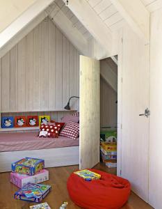 Habitación para niños - buhardillas